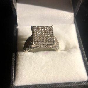 Princess cut silver ring